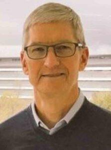 Apple कंपनी का CEO कौन हैं
